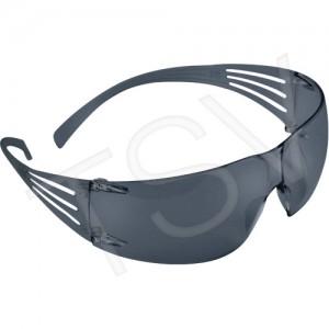 3M TM SecureFit TM Safety Glasses Standard(s) Met: CSA Z94.3/ANSI Z87+ Lens Tint: Grey/Smoke Lens Coating: Anti-Fog